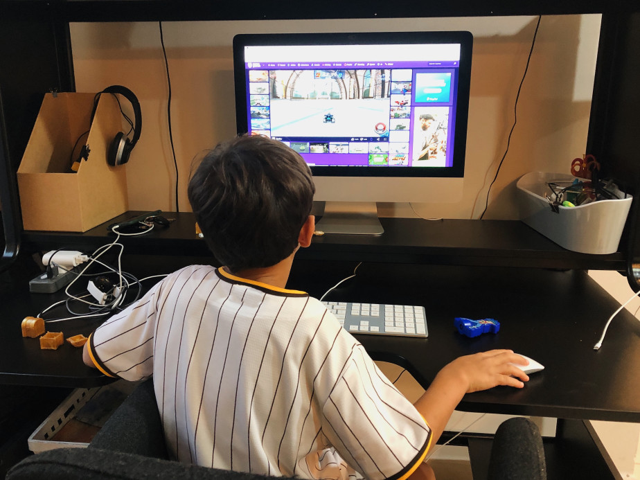 playing games on an organized gaming desk
