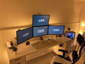 white battlestation gaming setup